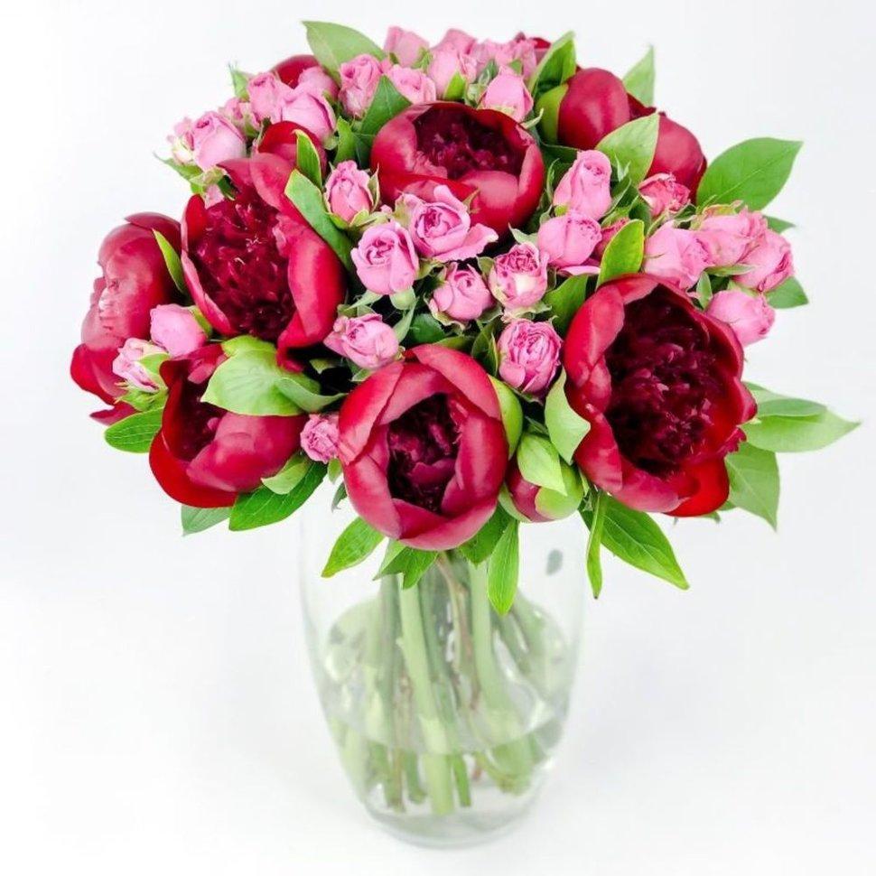 Свадебные, букет из розовых пионов с розами