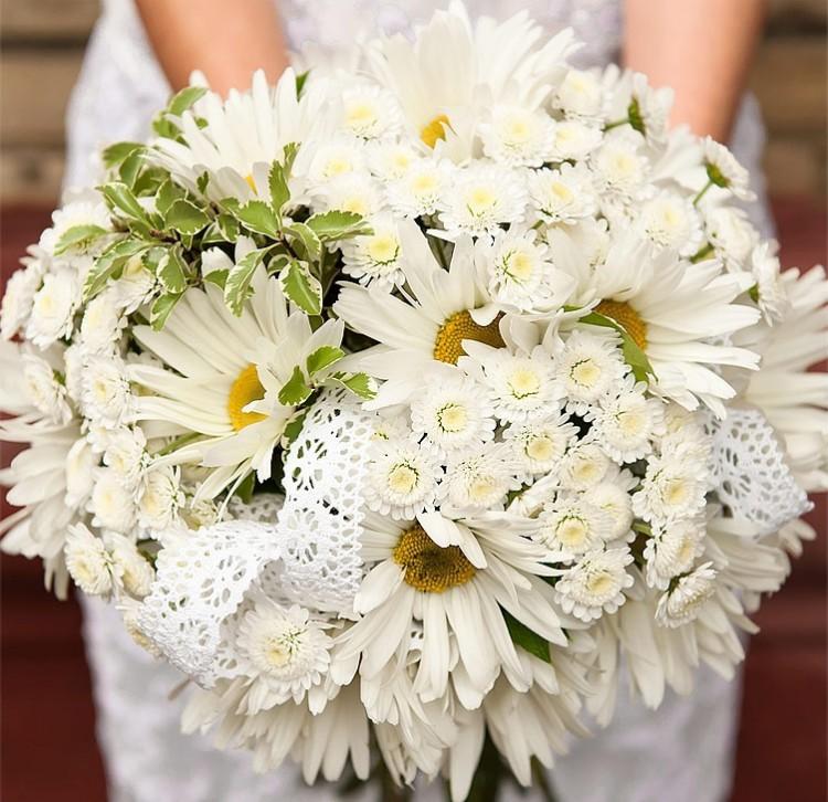 Бусин, любовный букет из ромашек свадебный